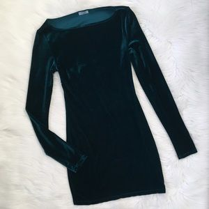 Tobi Green Velvet Long Sleeve Holiday Dress